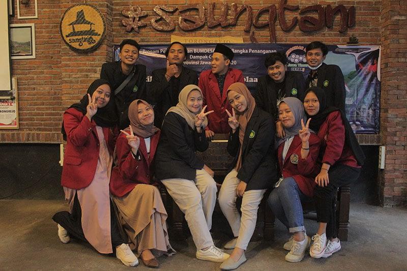 Foto-Bersama-Mahasiswa-UIN-Malang-dan-Universitas-Muhammadiyah-Malang
